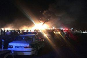 21 người thiệt mạng trong vụ tai nạn giao thông nghiêm trọng tại Iran