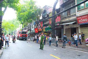 Kịp thời dập đám cháy ở khu nhà trọ cạnh Bệnh viện Nhi bùng phát trở lại