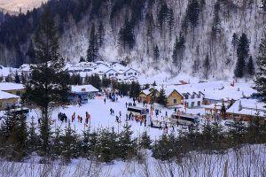 Ngắm ngôi làng tuyết trắng
