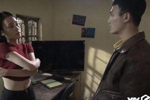 Clip Quỳnh búp bê khiêu khích Cảnh: 'Để em cởi áo cho anh xem nhé'