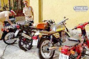 4 xe máy không rõ nguồn gốc