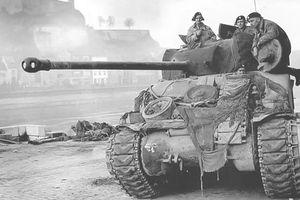 Tại sao xe tăng quân Đồng Minh chỉ được trang bị pháo 75mm?