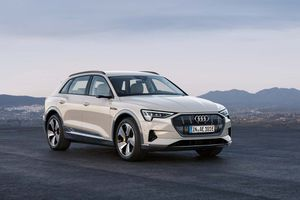Audi ra mắt SUV chạy điện hoàn toàn