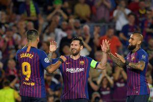 Champions League: Messi đánh dấu sự trở lại bằng cú hattrick