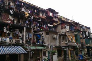Hà Nội: Bài toán 'cố thủ' của người dân tại các khu chung cư xuống cấp