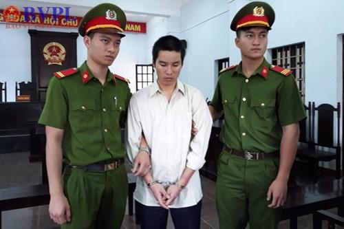Tuyên án tù chung thân bị cáo 9X sát hại vợ rồi tự tử bất thành