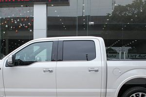 'Khủng long' bán tải Ford F-150 2018 giá gần 5 tỷ bất ngờ về Hà Nội