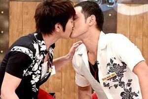 Nguyễn Kinh Thiên - Triệu Hữu Đình cùng là nam chính sánh vai với Dương Mịch trên màn ảnh, nhưng ngoài đời là cặp đôi nam - nam gây náo động cộng đồng fan
