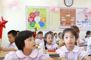 Đồng phục học sinh - 'đồng khổ' của nhiều phụ huynhBài 3: Giải bài toán 'miếng bánh' đồng phục