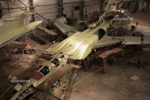 Cận cảnh quá trình 'xẻ thịt' oanh tạc cơ Tu-22M3 để nâng cấp lên chuẩn Tu-22M3M