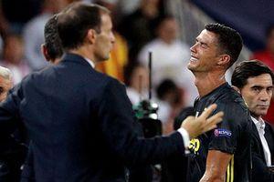 Ronaldo bị đuổi khỏi sân, Juve vẫn có chiến thắng ở Champions League