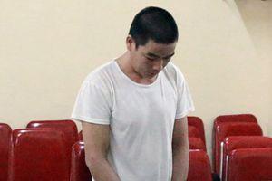 'Yêu râu xanh' hiếp dâm bé gái mang án 4 năm tù