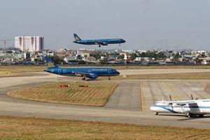 Đường băng sân bay Tân Sơn Nhất hư hỏng: Chuyên gia hàng không nói về mức độ nguy hiểm