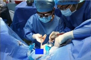 Phẫu thuật lấy dị vật kẹt trong niệu đạo hơn 11 năm