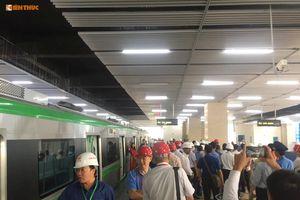 Cận cảnh chạy thử tàu điện trên cao Cát Linh - Hà Đông