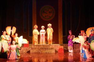 Sân khấu truyền thống: Tình yêu và những lo toan