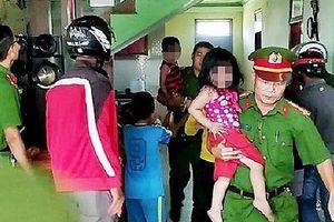 Giải cứu 3 em nhỏ bị bố nhốt, dọa đốt nhà tự thiêu