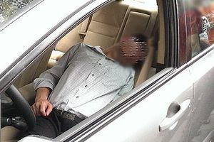 Một giám đốc doanh nghiệp tử vong trong xe ô tô đóng kín cửa