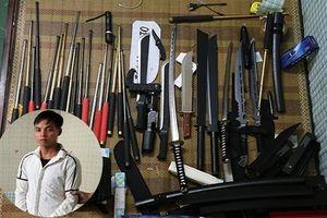 Bị 'sờ gáy' lần 1 nhưng vẫn buôn bán vũ khí thô sơ cùng công cụ hỗ trợ
