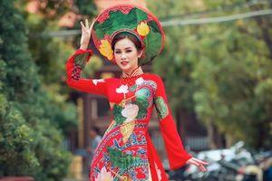 Á hậu Thanh Trang dịu dàng bất ngờ khi diện áo dài cầu kỳ