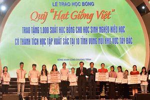 Tập đoàn Mường Thanh trao tặng 1.000 suất học bổng cho học sinh