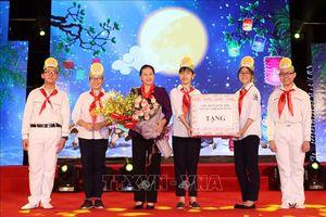 Chủ tịch Quốc hội dự 'Đêm hội trăng rằm 2018' với thiếu nhi thành phố Hà Nội