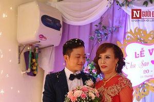 Cận cảnh đám cưới có '1-0-2' của cô dâu 61 tuổi lấy chồng 26 tuổi