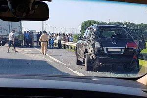 Tài xế Lexus biển 8888 bị tông chết khi dừng xe: Lỗi thuộc về ai?