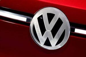 Nhà sản xuất xe ô tô Volkswagen rút khỏi Iran