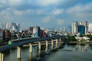 Ngắm tàu Cát Linh - Hà Đông chạy băng băng qua phố phường Hà Nội từ flycam