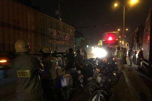 Mâu thuẫn khi tham gia giao thông, 2 tài xế xông vào hỗn chiến thương vong