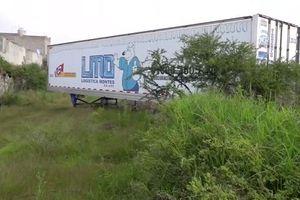 Sự thật hãi hùng trong chiếc xe tải chứa 157 thi thể đang phân hủy