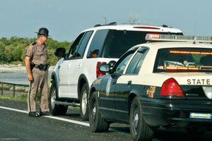 CSGT các nước khác dừng xe trên cao tốc như thế nào?