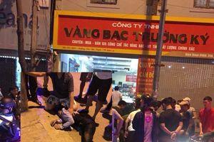3 đối tượng đi ô tô cướp tiệm vàng ở thành phố Sơn La
