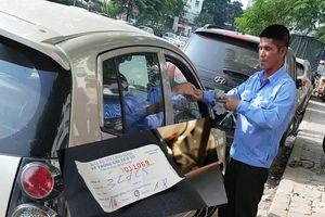 Xử lý nghiêm vi phạm chiếm vỉa hè, lòng đường trông xe trái phép ở Linh Đàm