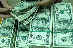 Tỷ giá trung tâm tăng, thị trường tự do giá trao đổi USD trái ngược với ngân hàng