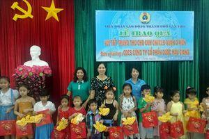 LĐLĐ TP.Cần Thơ: Tổ chức trao quà trung thu cho con em CNVCLĐ