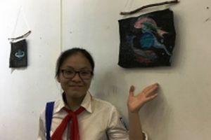 Học sinh sáng tạo nghệ thuật từ rác thải tái sử dụng