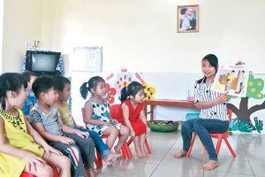 Tác động xã hội từ việc nâng chuẩn trình độ giáo viên mầm non lên CĐSP