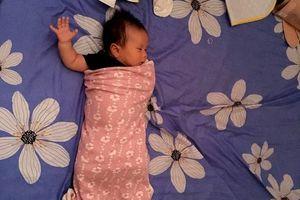 Từ một em bé gắt ngủ triền miên, mẹ luyện con tự ngủ ngoan và sâu giấc chỉ sau đúng 1 tuần