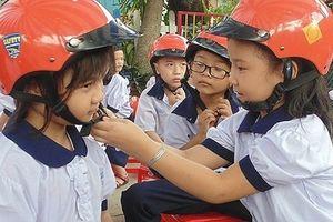 Hà Nội triển khai Tháng cao điểm ATGT cho học sinh đến trường