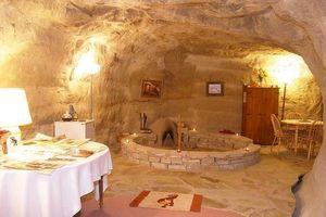Ghé thăm những khách sạn đẹp lung linh dưới lòng đất
