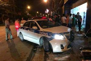 Đại úy CSGT điều khiển ôtô gây tai nạn khiến 2 người tử vong