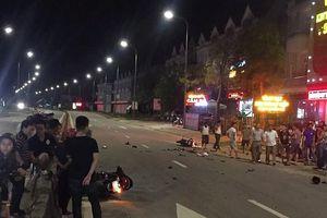 Hà Tĩnh: 2 xe máy va chạm kinh hoàng trên Quốc lộ 12C, 4 người nguy kịch