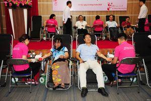 Cán bộ, đoàn viên thanh niên Bộ TT&TT hiến hơn 300 đơn vị máu