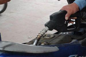 Xăng dầu đồng loạt tăng giá từ 15 giờ hôm nay