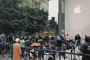 Huawei phát quà cho người mua iPhone