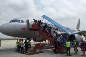 Nữ hành khách mang quá cước, lăng mạ nhân viên hàng không