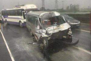 Tai nạn liên hoàn khiến hơn 20 người thương vong