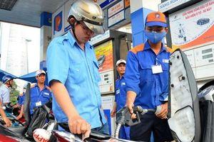 Xăng, dầu bất ngờ tăng giá vượt đỉnh 21.000 đồng/lít